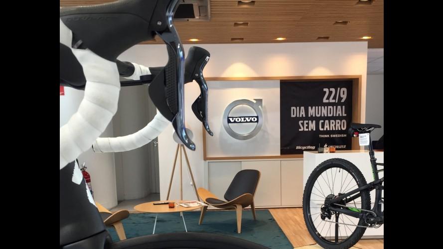 Concessionária da Volvo tira veículos e põe bicicletas no Dia Mundial sem Carro