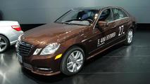 Mercedes-Benz E400 Hybrid live in Detroit 09.01.2012