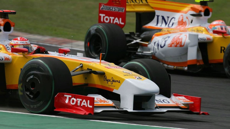FIA probes Renault beyond 'crash-gate' claims