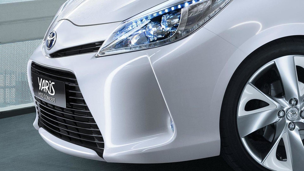 Toyota Yaris HSD concept teaser 04.02.2011