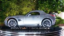 Pontiac Solstice GXP stars as Autobot Jazz