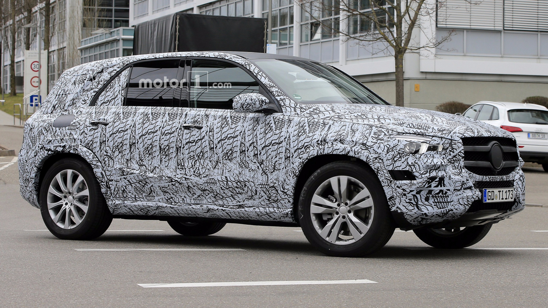 2019 mercedes gle spied inside and out. Black Bedroom Furniture Sets. Home Design Ideas