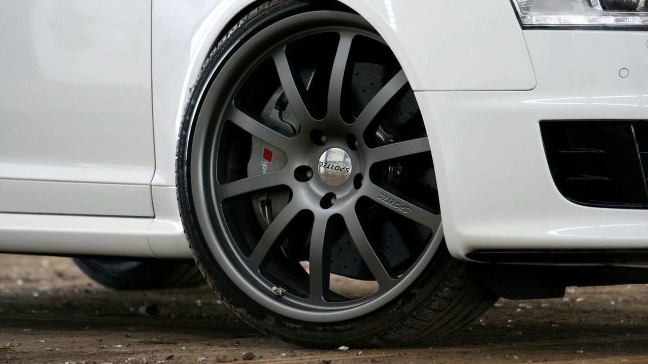 Avus Performance RS6 *White Power*