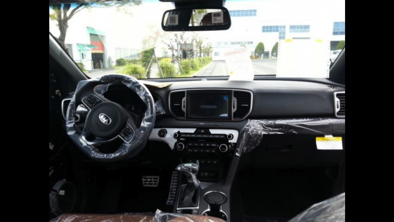 Kia Sportage 2016: novo flagra revela primeiras fotos do interior