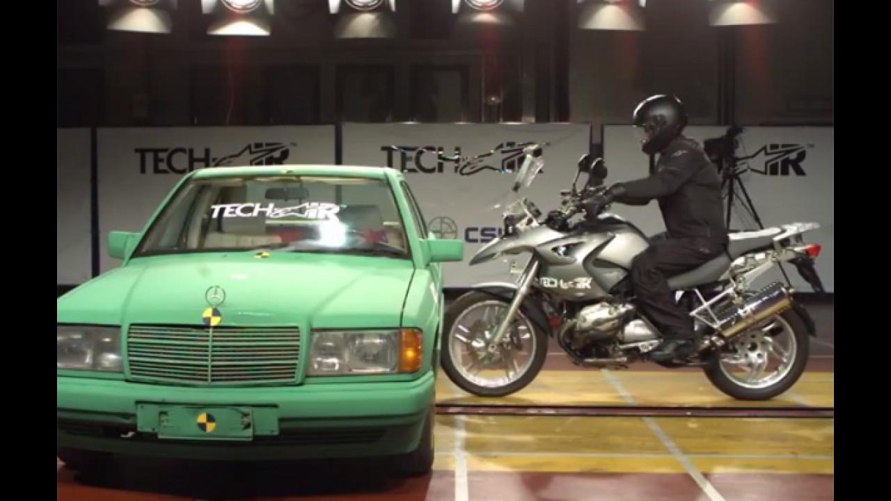 Vídeo: veja jaqueta com airbag em crash-test de moto
