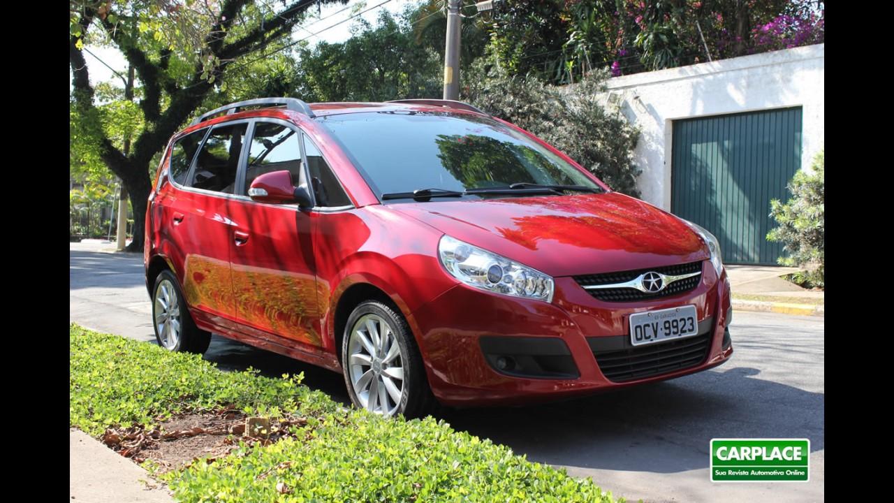 Venda de carros importados no Brasil despenca 41,2% em outubro