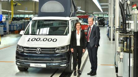 VW Celebrates 100,000th California Camper Van At Hannover Plant
