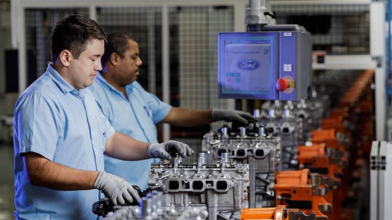 Ford Taubate� - Motores e Transmissão
