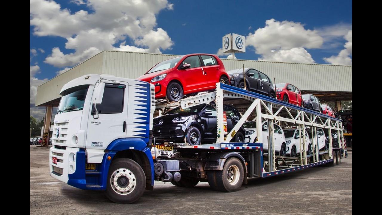 VW up! brasileiro começa a ser exportado para o Uruguai