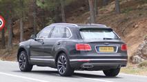 Bentley Bentayga Plug-In Hybrid spy photo