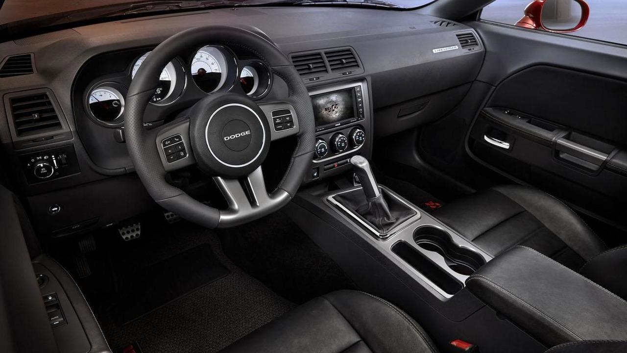 Dodge Challenger 100th Anniversary Edition 19.11.2013