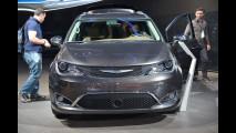 Chrysler Pacifica al Salone di Detroit 2016