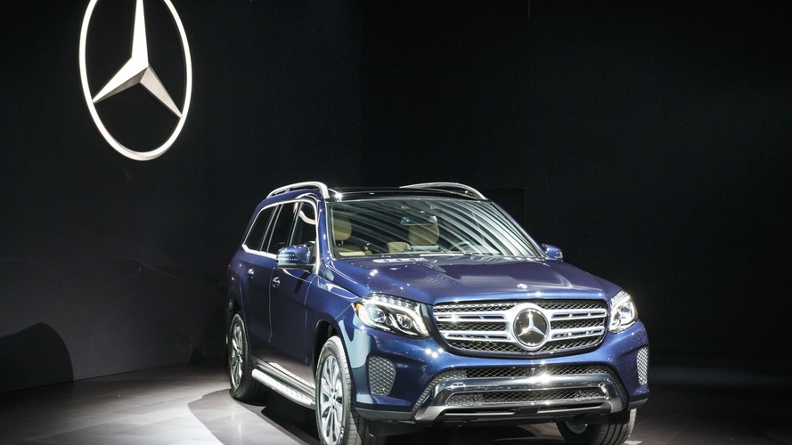 2017 Mercedes GLS debuts in Los Angeles