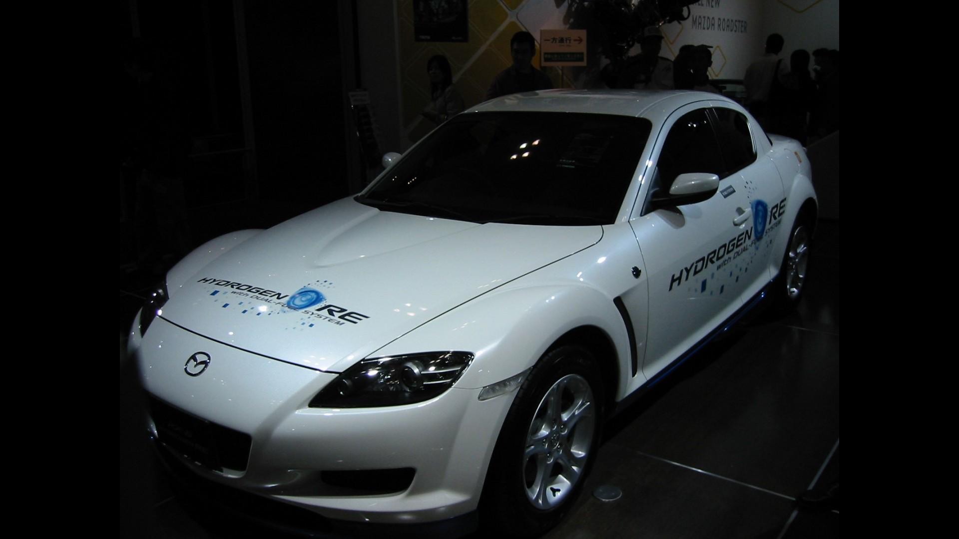 https://icdn-5.motor1.com/images/mgl/M9gP8/s1/mazda-rx-8-hydrogen-concept.jpg