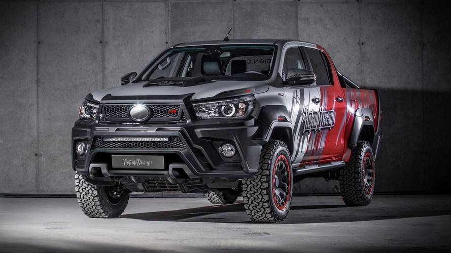 Toyota Hilux Gets Tuned And Trimmed By Carlex