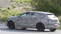 Fourth generation Renault Megane caught on camera with undisguised interior
