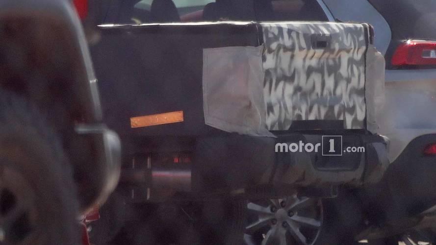 Jeep Scrambler Pick-up'ının Casus Fotoğrafları
