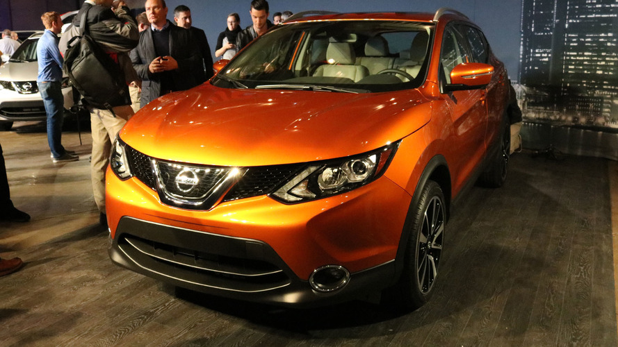 2017 Nissan Rogue Sport slots in between the Juke and the Rogue