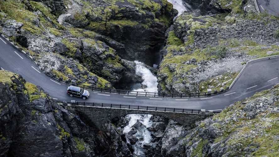 Range Rover ready for its closeup in these 42 amazing images