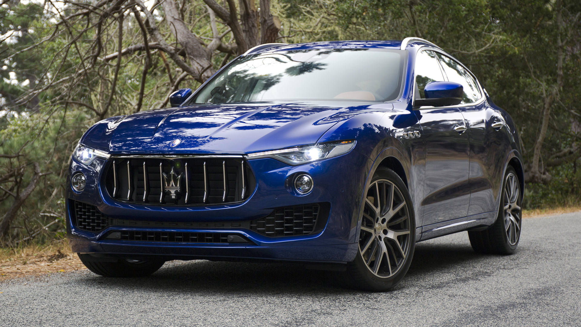 2017 maserati levante officially revealed finally an suv with distinctive. Black Bedroom Furniture Sets. Home Design Ideas