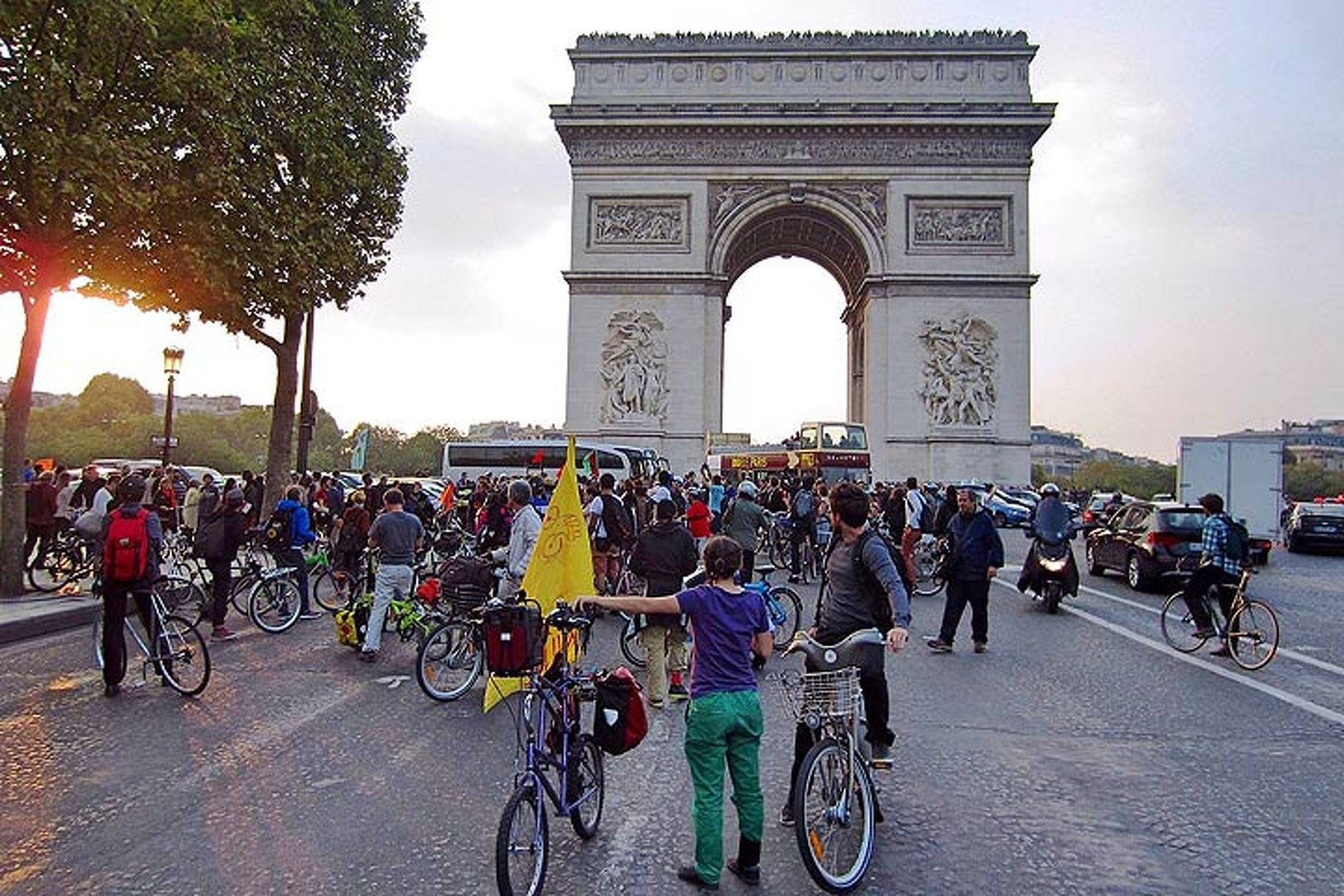 Paris Will Ban Cars for a Day in September