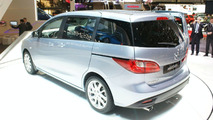 Mazda5 Flows into Geneva