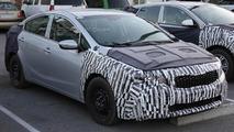 2017 Kia Forte facelift spy photo