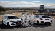 Honda Civic Type R com os pilotos HRC