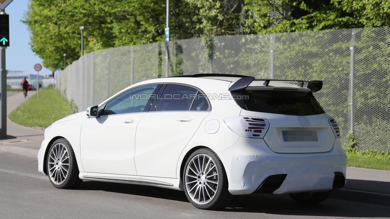2016 Mercedes-Benz A45 AMG facelift spy photo