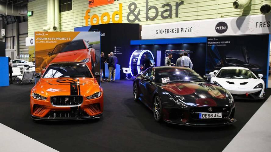 Motor1'in Autosport International fuar standına yakından bakalım