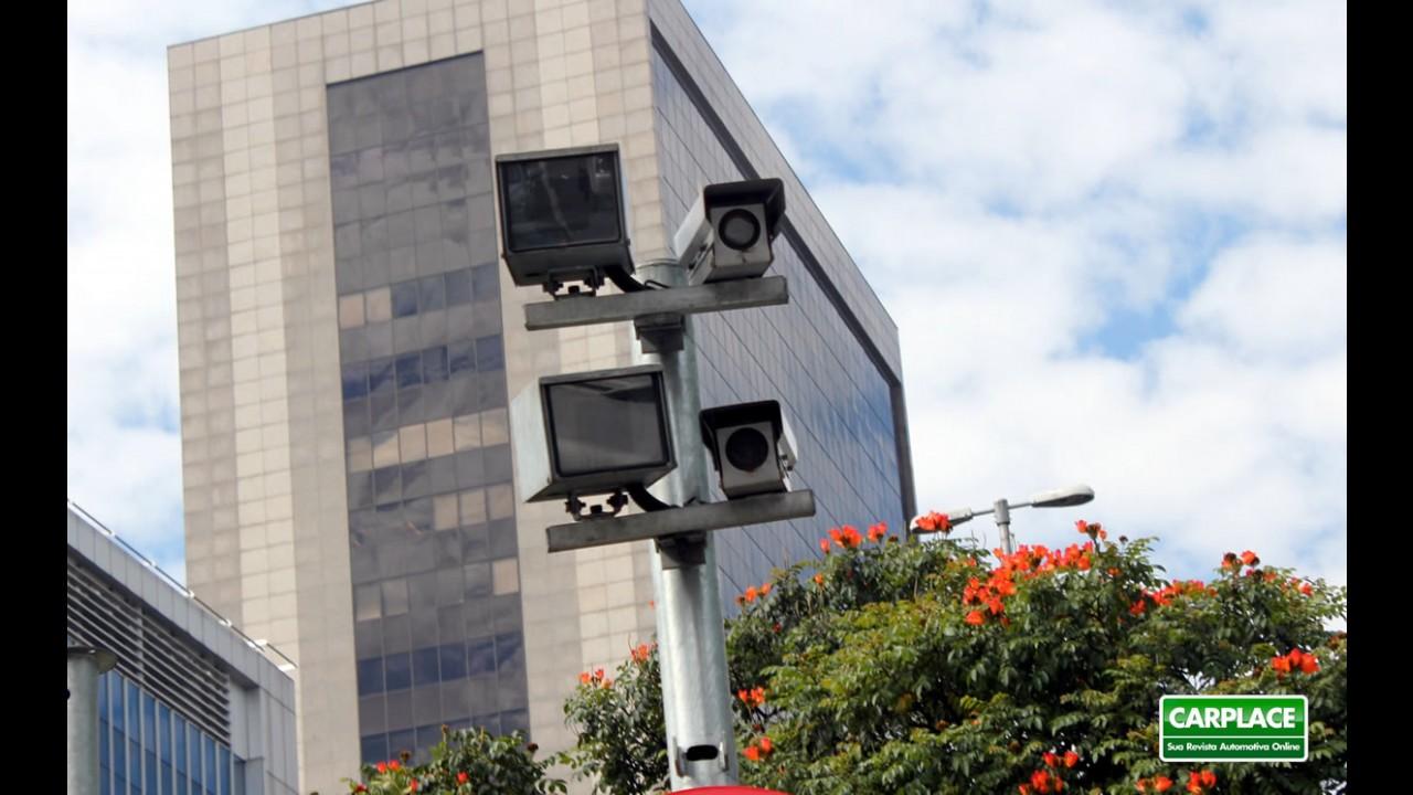 """Big Brother do trânsito: Câmeras """"dedo-duro"""" monitorarão carros irregulares em SP"""
