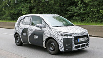 2017 Peugeot 2008 spy photos