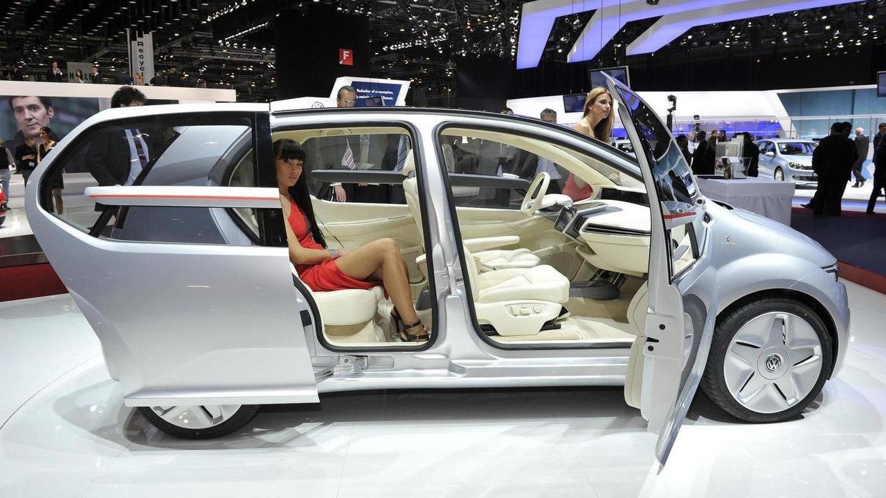 Volkswagen Go! MPV Concept by Italdesign Giugiaro live in Geneva - 01.03.2011