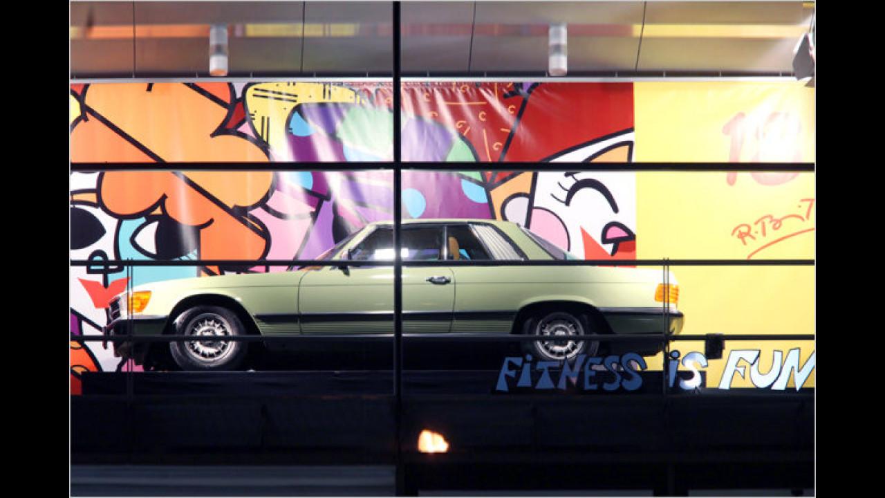 18. Dezember: Mercedes 350 SLC, mit Romero Brittos ,Big eyes