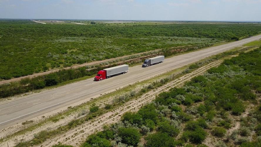 Amerikában is megkezdte félig önvezető kamionjainak tesztelését a Daimler