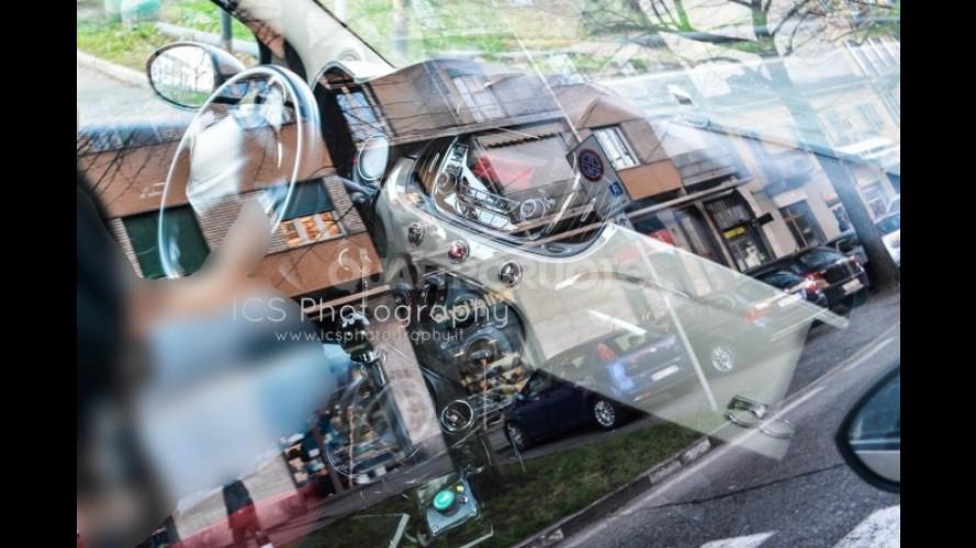 Flagra: detalhes do novo interior do Fiat 500 reestilizado aparecem em fotos