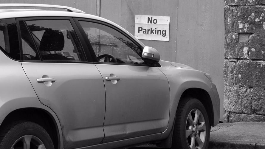 Il est désormais interdit de se garer devant son propre garage !