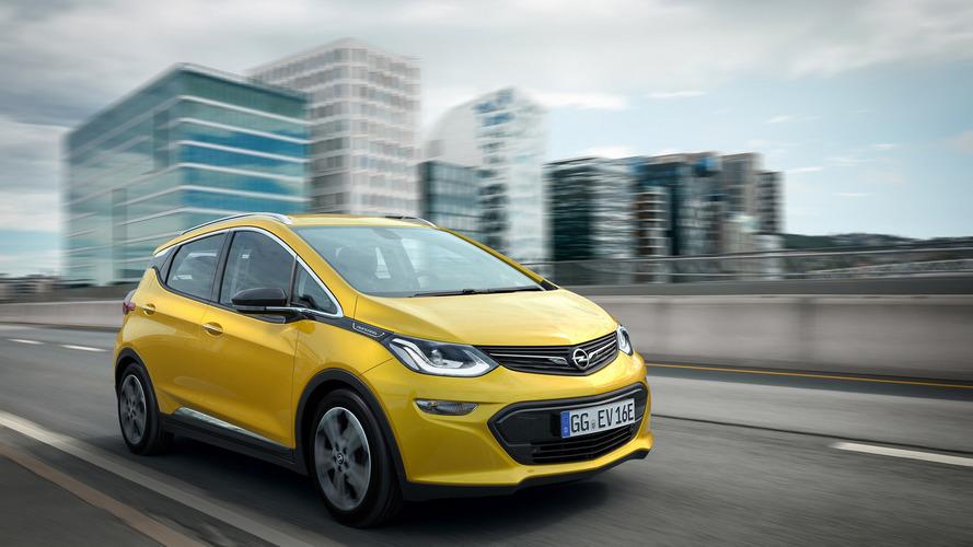 Több mint 500 kilométeres hatótávval érkezett meg az Opel Ampera-e