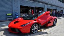 LaFerrari trio tackles Monza during Ferrari Corse Clienti event [video]