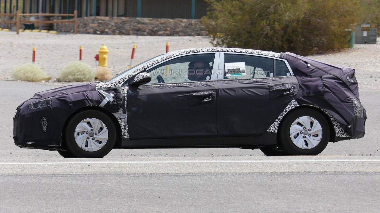 Hyundai hybrid model spy photo