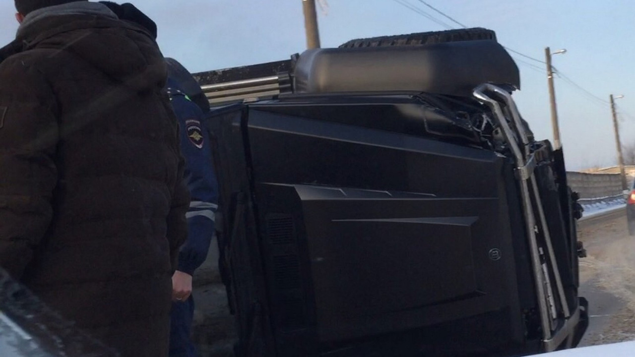 Brabus G63 AMG 6x6 crash