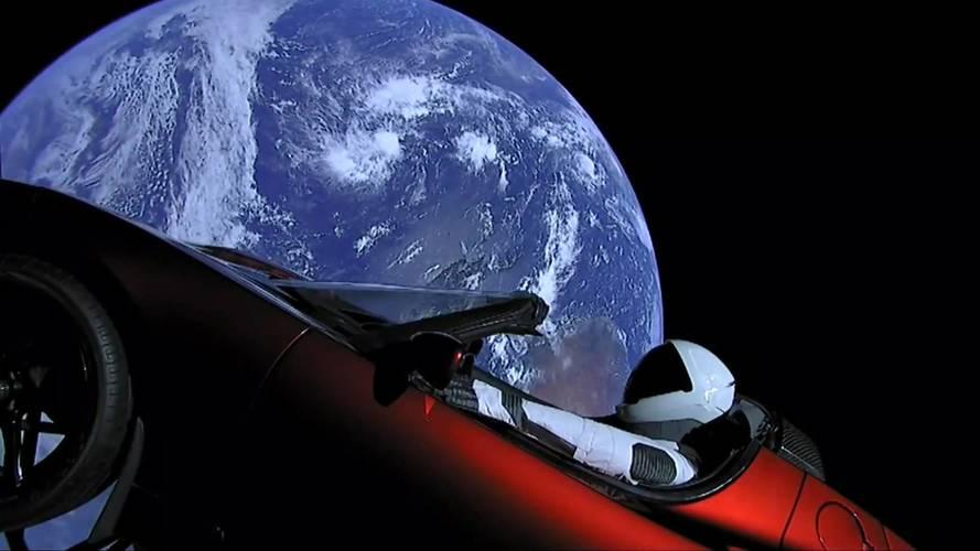 Falcon Heavy réussit son décollage, la Tesla Roadster en orbite