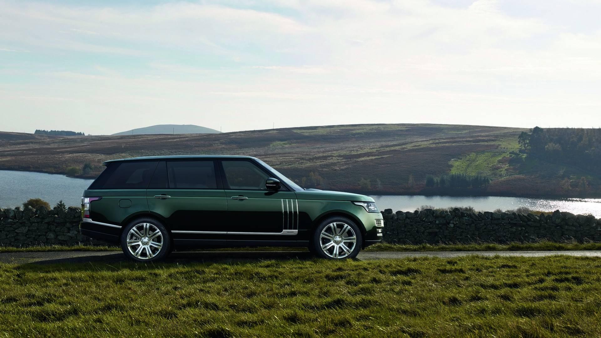Trước Rolls-Royce Cullinan, đây là 9 mẫu SUV siêu sang đã từng xuất xưởng