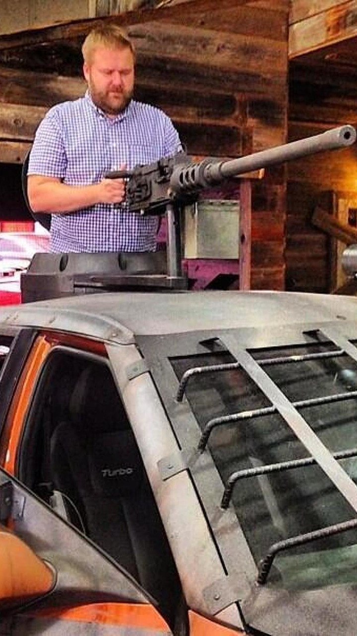 Hyundai Veloster Zombie Survival Machine at San Diego Comic-Con 18.07.2013