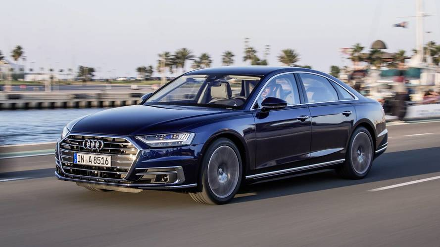 2018 Audi A8 İlk Sürüş: Standardı Yeniden Düzenlemek