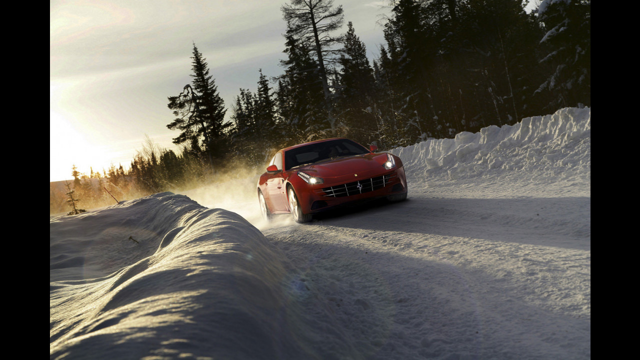 La Ferrari FF sulla neve