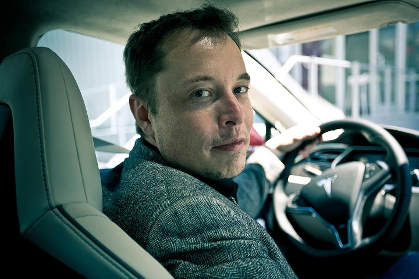 Tesla'dan, Elon Musk ile ilgili şok karar!
