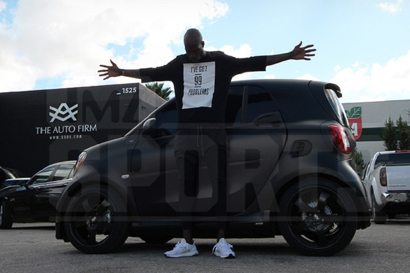 Chad Johnson Drives a Pimped Out Smart Car