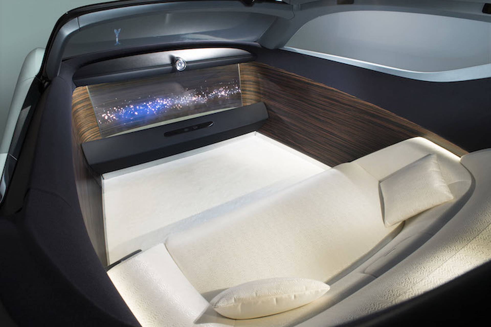 Rolls-Royce Reveals Its Electric Luxury Car of the Future