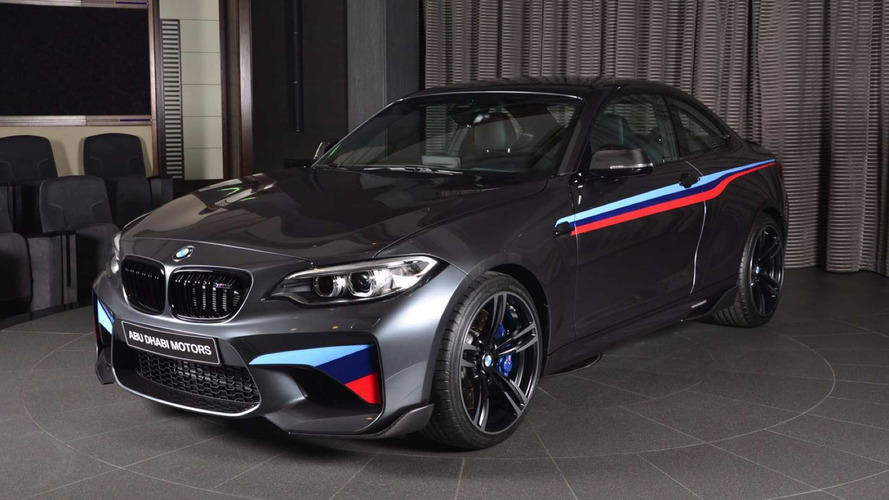 PHOTOS - Une unique BMW M2 à Abu Dhabi